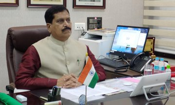 Minister of State for Railways Suresh Angadi died due to Covid-19.